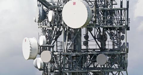 uploads/2019/04/telecommunication-tower-3064834_1920.jpg
