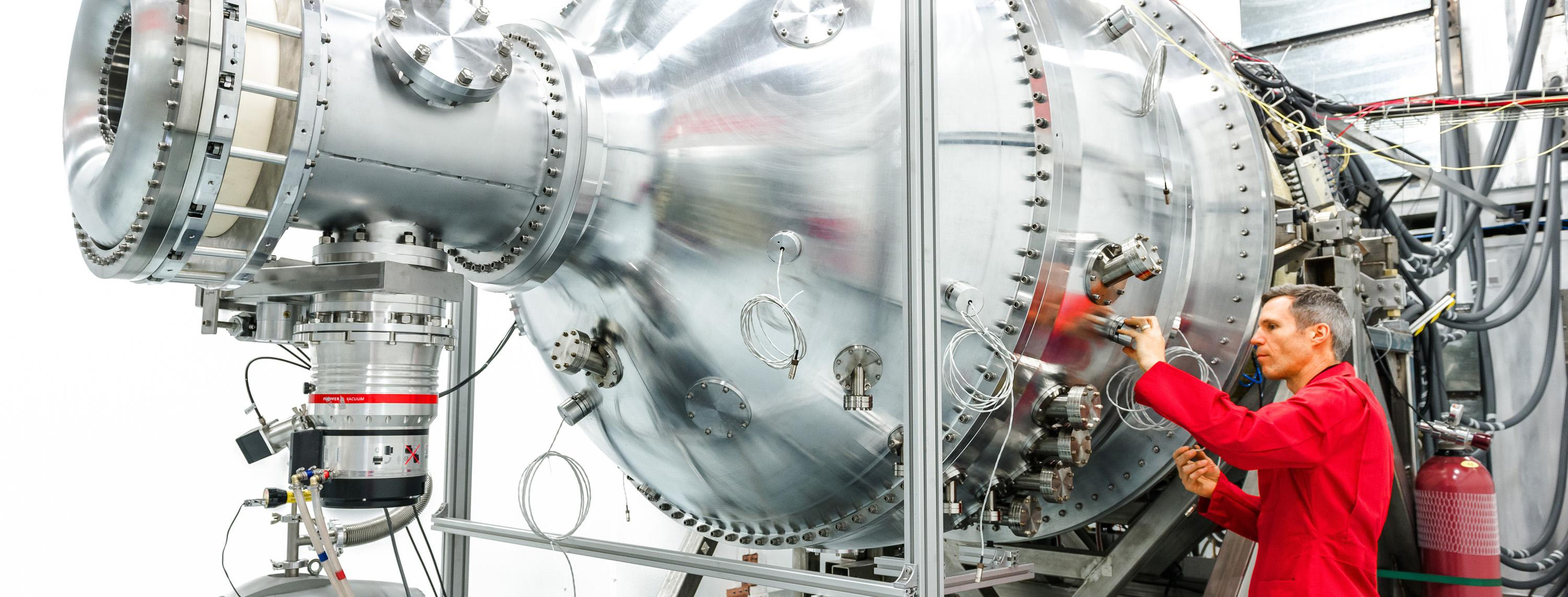 Nuclear fusion reactor prototype