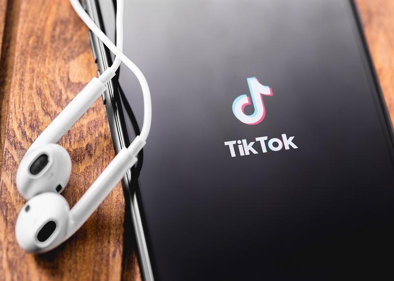 uploads///Facebook TikTok
