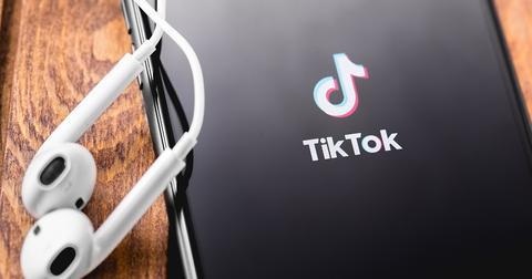 uploads/2020/01/Facebook-TikTok.jpeg