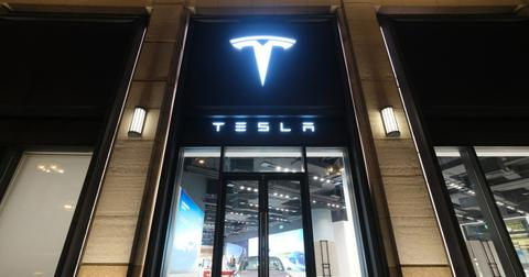 why-is-tesla-stock-price-rising-1600181839484.jpg