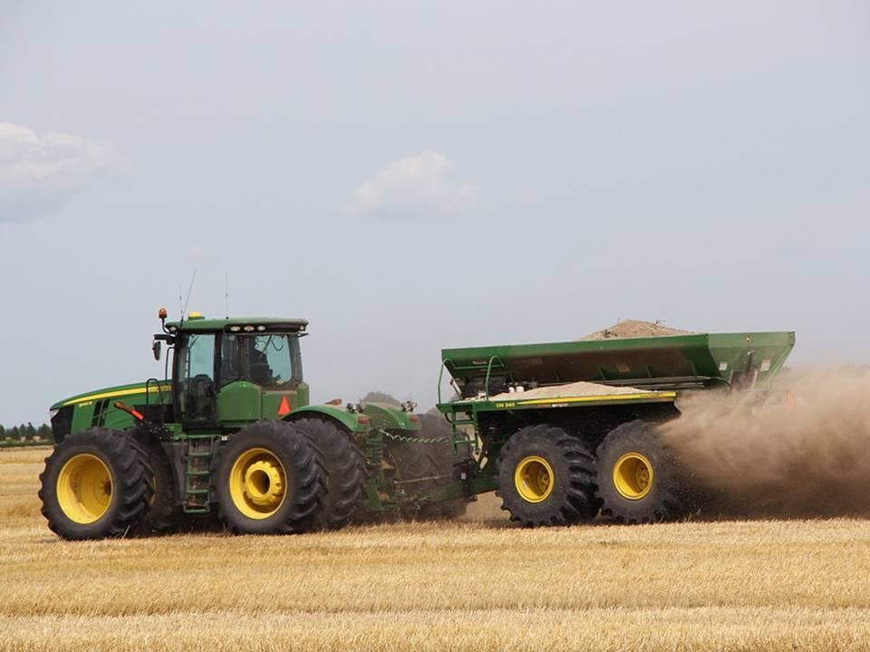 uploads///tractor john deere dust wagon