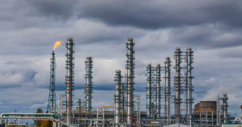 uploads/2019/12/oil-refinery-factory-at-the-cloudy-sky-petrochemical-plant-petroleum.jpg