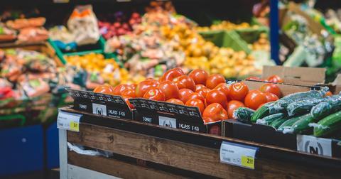 uploads/2018/08/grocery-store-2119702_1280-1.jpg