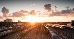 uploads///train _