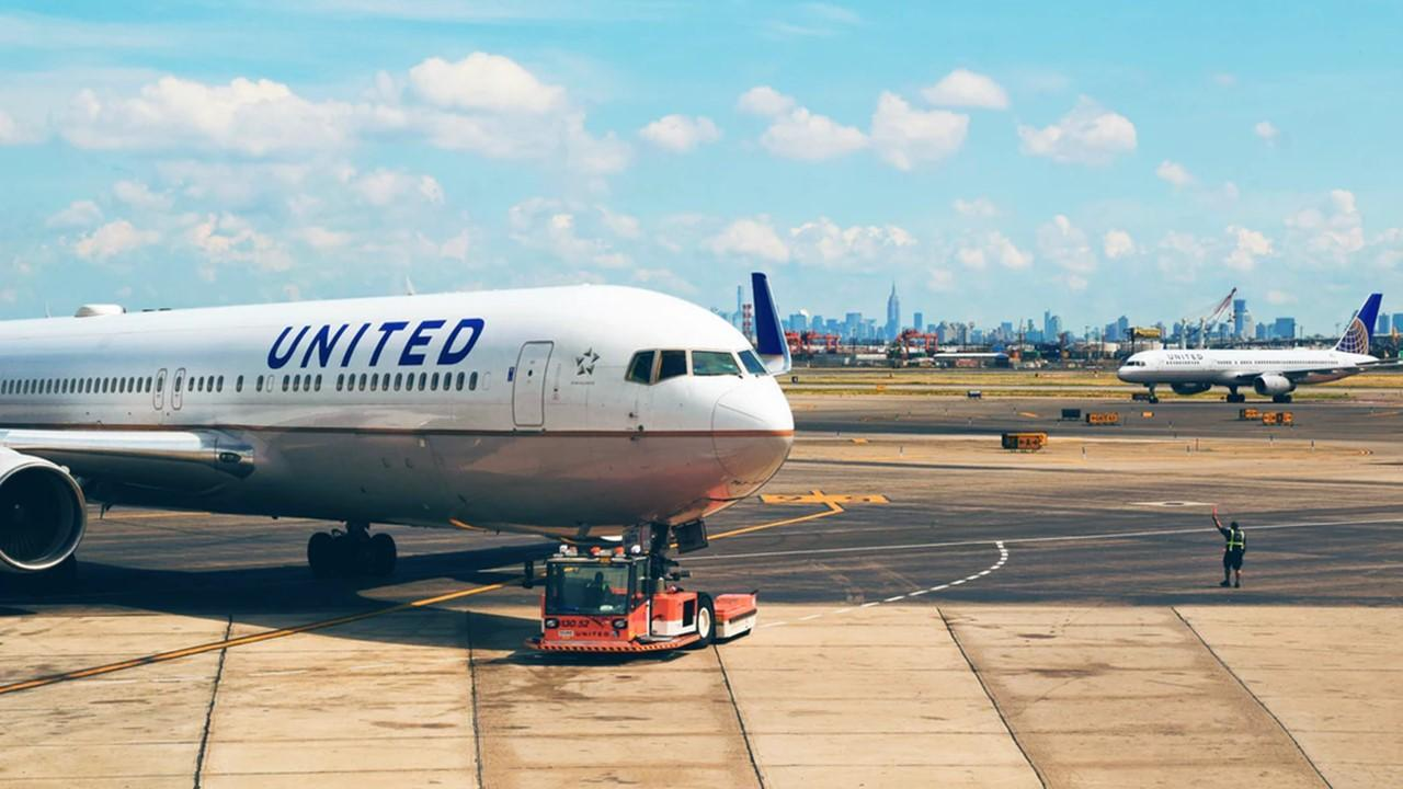 uploads///united airlines q preliminary