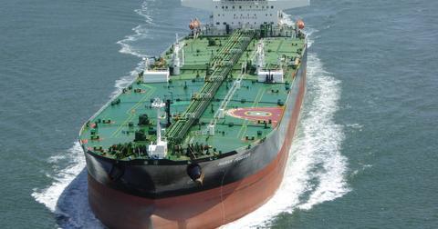 uploads/2018/07/tanker-1242111_1920.jpg
