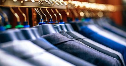 uploads/2018/07/hanger-clothing-department-store.jpg