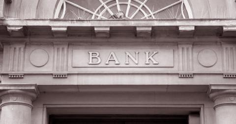 uploads/2019/08/banks.jpeg