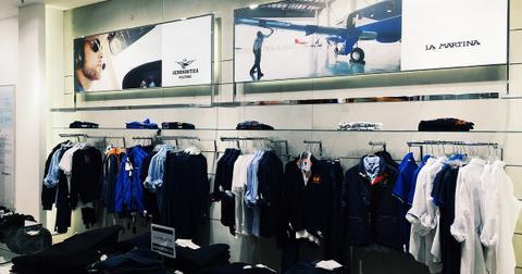 uploads/2018/05/clothes-2586201_1280.jpg