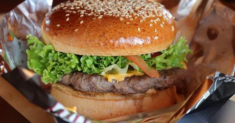 uploads/2020/06/burger-3946012_1280.jpg
