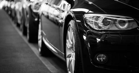uploads/2019/06/automobiles-automotives-black-and-white-70912.jpg