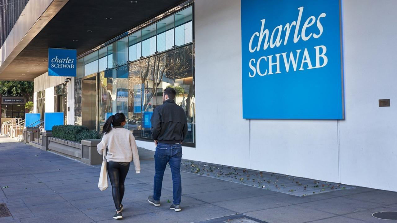 what are schwab stock slices
