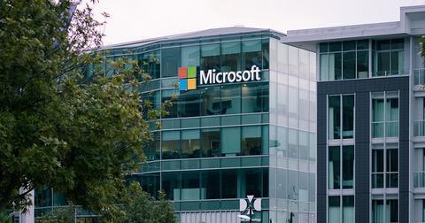 uploads/2020/02/Microsoft-Amazon.jpg