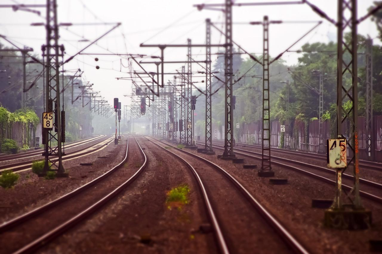 uploads///railway tracks _