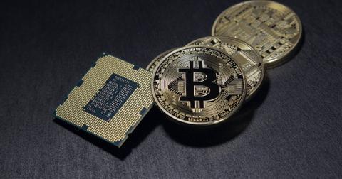 uploads/2018/07/bitcoin-2057405_1280.jpg
