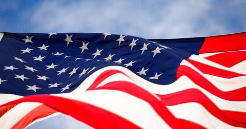 uploads/2019/05/flag-1291945_1280.jpg