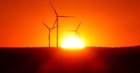 uploads/2019/03/wind-power-plant-1837624_1280.jpg