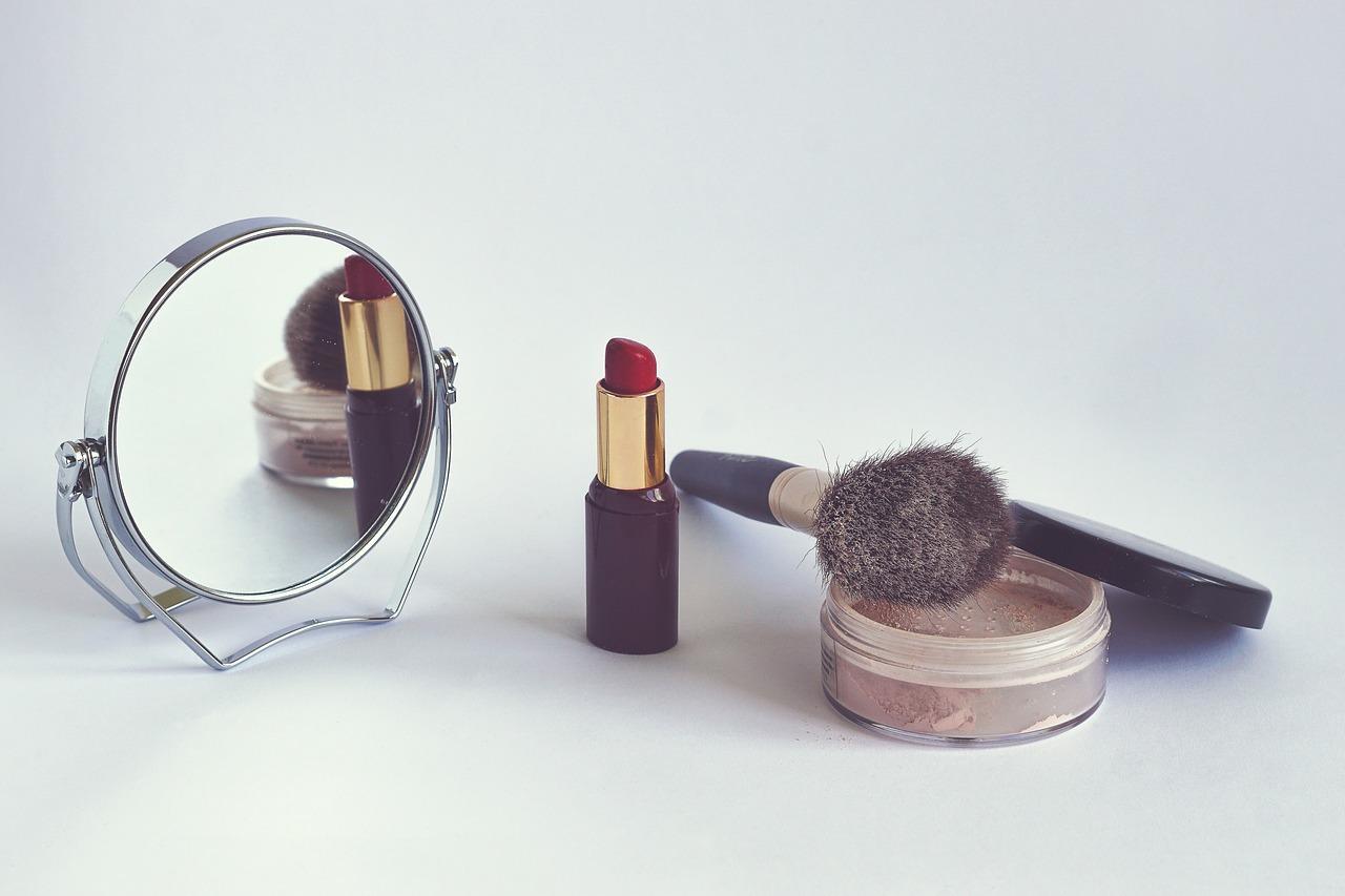uploads///cosmetics _
