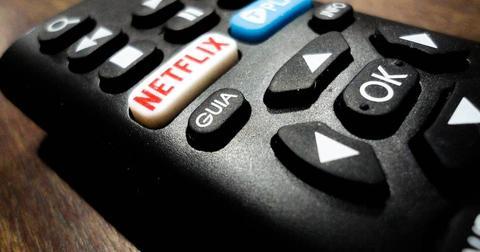 uploads/2019/06/netflix-remote-control-electronic.jpg