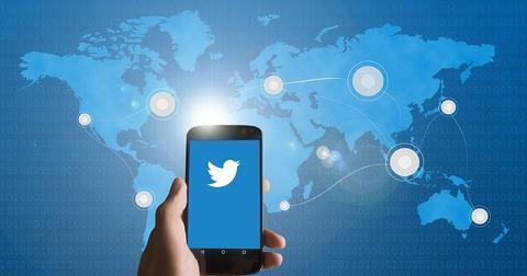 uploads/2020/02/Twitter-Chroma-Labs.jpg