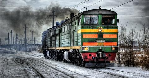 uploads/2018/11/locomotive-60539_1280.jpg