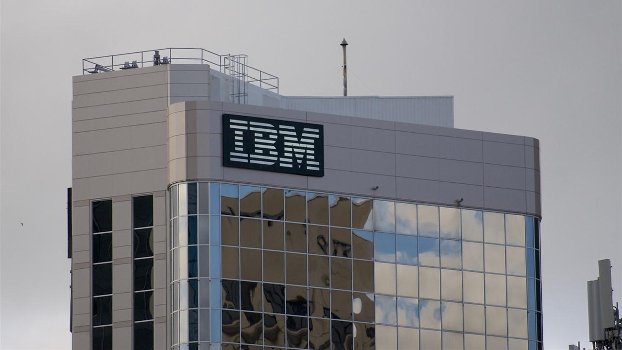 when does ibm report earnings