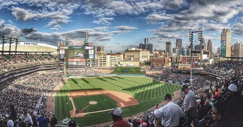 uploads/2018/07/baseball-field-1149153_960_720.jpg