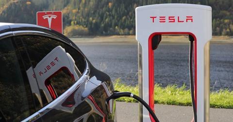 uploads/2019/12/Tesla-in-December.jpg