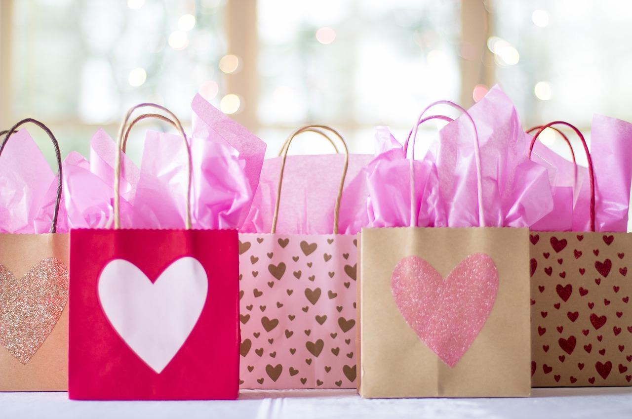 uploads///gift bags _