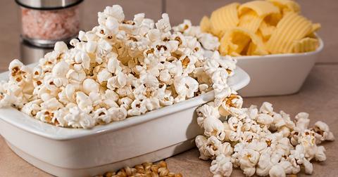 uploads/2018/12/popcorn-731053_1280.jpg