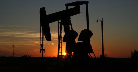 uploads/2019/05/oil-monahans-texas-sunset-106913-7.jpg