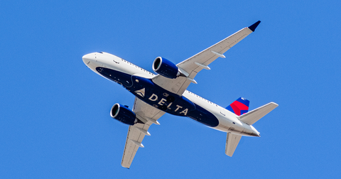 uploads/2019/11/Delta-Airlines-Stock.png