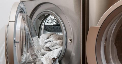 uploads/2019/01/washing-machine-2668472_1280.jpg