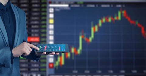 uploads/2018/09/stock-exchange-3087396_1280.jpg
