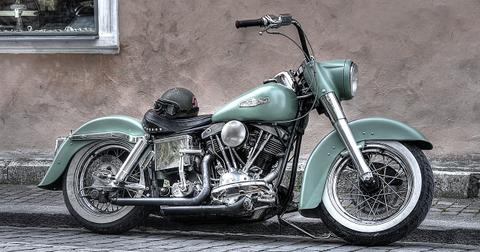 uploads/2018/07/motorbike-861966_1280.jpg