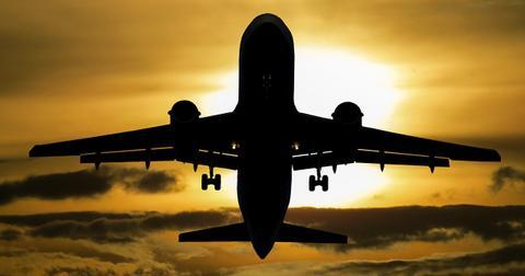 uploads/2019/03/aircraft-1362586_1280.jpg