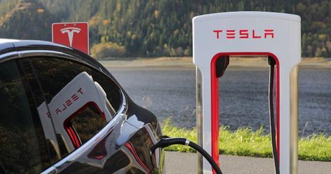 uploads/2019/10/Tesla-pump.jpg