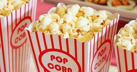uploads/2018/12/popcorn-1085072_640.jpg
