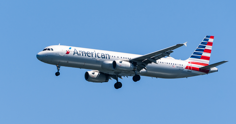 uploads/2019/11/American-Airlines-Stock.png