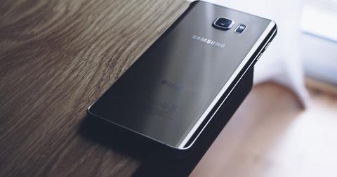 uploads/2019/07/electronics-samsung-edge-smartphone-214487.jpg