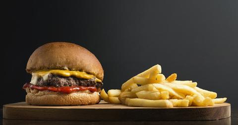 uploads/2018/11/snack-burger-b-sandwich-fast-food-1.jpg