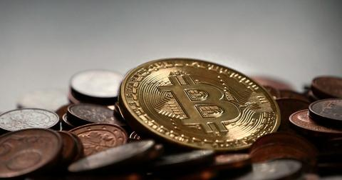 uploads/2018/04/bitcoin-2007912_1280.jpg