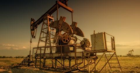 uploads/2019/06/oil-3629119_1920-1.jpg