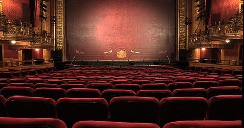 uploads/2019/11/Theater.jpg