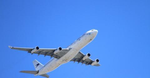 uploads/2020/06/plane-50893_1280.jpg