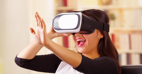 uploads/2019/09/Facebook-Oculus.jpeg
