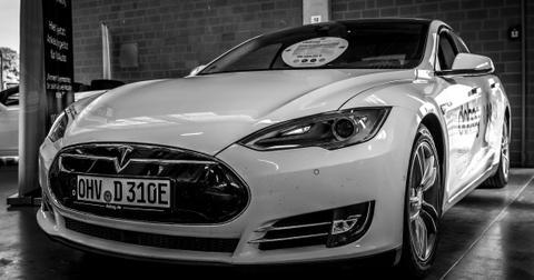 uploads/2019/12/Tesla-stock-China.jpeg