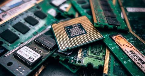 uploads/2019/06/semiconductor2.jpg