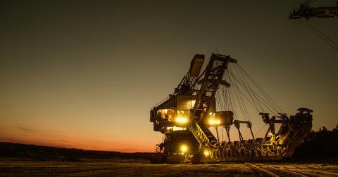uploads/2019/05/mining-excavator-1736293_1280.jpg